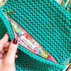 Вязаный клатч (26 фото): модели из трикотажной пряжи, сумка-клатч