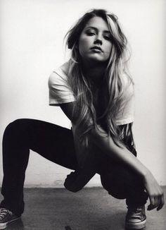 Amber Heard. Love that hair.