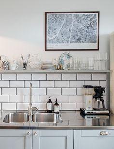Antique in the kitchen - via Coco Lapine Design
