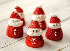 TOUCH this image: Santa Strawberries by Susan Oxnevad via Thinglink (so cute!)