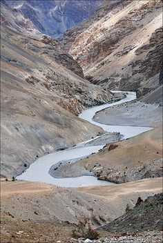 Leh, Jammu and Kashmir, IN.travelled last year.must visit list Wildlife Of India, Ladakh India, Kashmir India, India Tour, Leh, Heaven On Earth, India Travel, Incredible India, Rocky Mountains