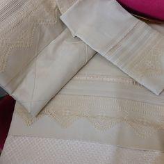 Pike nevresim seti Crochet Art, Filet Crochet, Crochet Doilies, Embroidery Designs, Instagram Posts, Handmade, Bedding, Towels, Beds