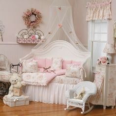 Here is Pink Shabby Chic Bedroom Furniture Set Design and Decor Ideas Photo Collections at Classic Bedroom Catalogue. More Picture Pink Shabby Chic Bedroom can you found at her Shabby Chic Baby, Shabby Chic Mode, Estilo Shabby Chic, Shabby Chic Interiors, Shabby Chic Bedrooms, Shabby Chic Kitchen, Vintage Shabby Chic, Shabby Chic Style, Shabby Chic Furniture