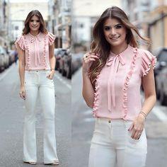 Flare + Blusa de babado e lacinho by @seikifashion  Para quem procura calças e looks mais casuais, a marca tem vários modelos com uma modelagem Mara!