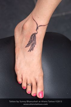 Anklet with Feather Tattoo