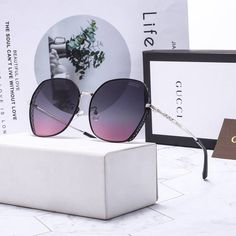 Round Lens Sunglasses, Cat Eye Sunglasses, Urban Outfitters Sunglasses, Eyeglasses For Women, Celebrity Outfits, Sunnies, Givenchy, Jewelery, Shades