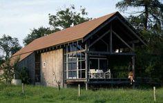 Die schlichte Holzkonstruktion machte das Haus günstig.