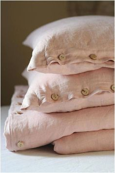 Bedding Sets for Luxury Homes – Best Bed Linen Ever Pink Bedding, Duvet Bedding, Luxury Bedding, Bedding Sets, King Comforter, Bed Linen Sets, Linen Duvet, Linen Fabric, Pink Bed Linen