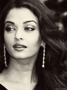 Aishwarya Rai Bachchan, stunning, beautiful....
