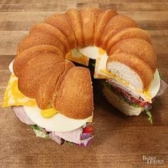 Cut Bundt Sandwich A bundt pan gives cold cuts a whole new look -- these sandwiches are definitely party-ready./A bundt pan gives cold cuts a whole new look -- these sandwiches are definitely party-ready. Snacks Für Party, Appetizers For Party, Appetizer Dips, Appetizer Recipes, Potluck Recipes, Picnic Recipes, Potluck Ideas, Sandwich Recipes, Snack Recipes