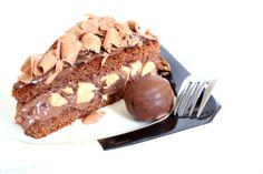 Tá difícil de escolher o recheio do bolo do seu casamento? Nós te damos uma mãozinha! Veja aqui 9 deliciosas opções de recheios para bolo de casamento.