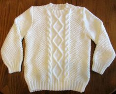 Esta foi uma encomenda para 2 manas. A mãe das meninas comprou o que pensou que era uma camisola, mas quando foi a ver era uma capa. Assi...