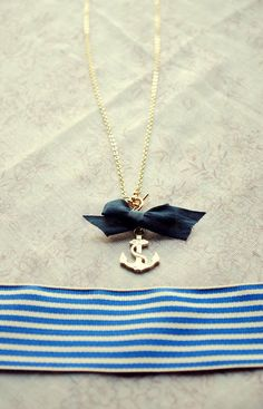 anchor necklace.. make this soon!