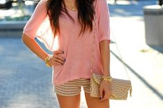 I like this top and clutch ;)