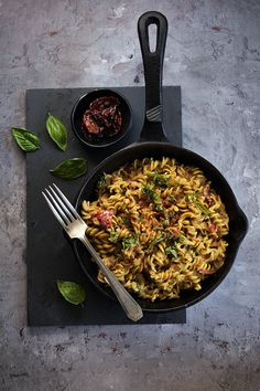 Fusilli, Naan, Penne, Grill Pan, Paella, Quinoa, Food To Make, Grilling, Cooking
