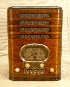Old Antique Wood Zenith Racetrack Vintage Tube Radio - Restored & Working!