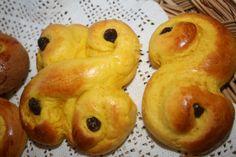 Glutenfrie Lussekatter :-) Nydelig gode :-) (snuddpaahodet) (dropp safran og de blir som helt vanlige boller bakt med hvetemel. Kjempegode!!!)