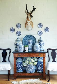 collected Blue and white chinoiserie and ginger jars Blue And White China, Blue China, Blue Rooms, White Rooms, Enchanted Home, Chinoiserie Chic, Ginger Jars, Delft, White Decor