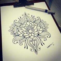 tattoo flor de lotus mandala - Mandala's are definitely growing on me for a tattoo idea Et Tattoo, Tattoo Henna, Lotus Tattoo, Piercing Tattoo, Tattoo Drawings, Body Art Tattoos, Underboob Tattoo, Sleeve Tattoos, Tattoo Ribs
