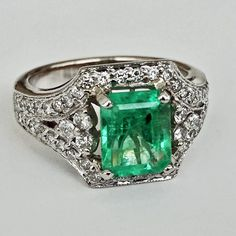 Professional conceived engagement ring inspirations my explanation Emerald Ring Vintage, Wedding Rings Vintage, Emerald Rings, Ruby Rings, Antique Jewelry, Vintage Jewelry, White Gold Jewelry, Gold Jewellery, Jewellery Making