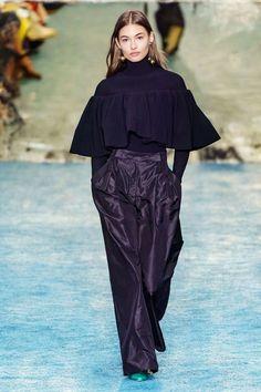 New York Fashion Week Carolina Herrera Fall 2019 Ready-to-Wear Collection - Vogue