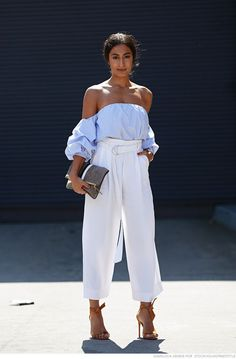 Every year, we look to street style to inform and inspire us. The pieces worn during fashion week and beyond Mode Outfits, Casual Outfits, Fashion Outfits, Fashion Trends, Fashion Bloggers, Summer Outfits, Baby Outfits, Fashion News, Elegantes Outfit