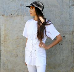DIY Corset Detail: Lace up trend - fun & easy update for an oversized or boxy t-shirt, adding shape & movement. From: Trash to Coulture' Easy Clothing, Diy Clothes, New Outfits, Girl Outfits, Renaissance Shirt, Diy Corset, Trash To Couture, Blouse, Shirt Dress