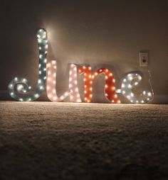 DIY Lighting Ideas: Make Your Own Marquee Sign with Custom Fonts | Apartment Therapy