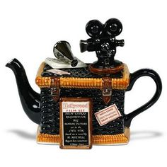 Hollywood/Film Teapot, in honor of the Oscars. I do wish I knew where they got this from....