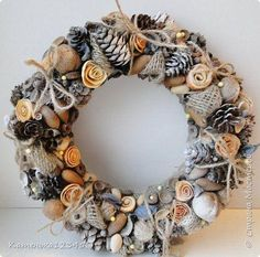 Autumn Wreaths, Christmas Wreaths, Christmas Decorations, Holiday Decor, Handmade Christmas Crafts, New Year Diy, Christmas Shows, Christmas Tablescapes, Christmas Villages