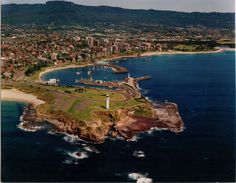 Wollongong, Australia You could see my brother's place from here Oh The Places You'll Go, Places To Travel, Places To Visit, Tasmania, Wollongong Australia, Visit Australia, Travel Alone, Aerial View, Beautiful Places