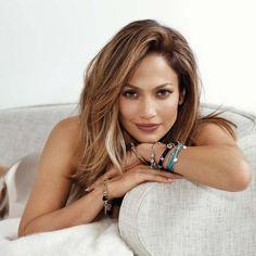 Jennifer Lopez Cortes de pelo para cara ovalada