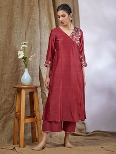 15 Super Ideas For Sewing Patterns Tunic Summer Shirts Simple Kurti Designs, Kurta Designs Women, Salwar Designs, Kurti Designs Party Wear, Blouse Designs, Dress Designs, Blouse Styles, Indian Dresses, Indian Outfits