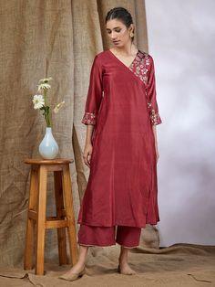 15 Super Ideas For Sewing Patterns Tunic Summer Shirts Salwar Designs, Kurta Designs Women, Kurti Designs Party Wear, Blouse Designs, Dress Designs, Blouse Styles, Pakistani Dresses, Indian Dresses, Stylish Dresses