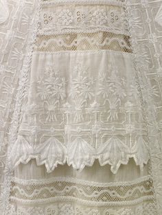 Color Theory Therapy| Serafini Amelia| Antique White-Baby's lace gown