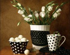 White Roses HD Desktop Wallpaper