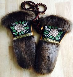 Ladies Mitts that I made. Black Melton, Moose hide (commercial), Beaver fur, vintage ribbon trim, and seed beads. Love how everything turned out :) Carmen Dennis (Tahltan) Native Beadwork, Native American Beadwork, Native American Fashion, Fur Goods, Beaded Moccasins, Beadwork Designs, Mittens Pattern, Beading Projects, Diy Projects