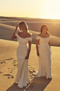 We've Got the First Look at CHOSEN by One Day's Desert Rose Collection! - Green Wedding Shoes bride in off-the-shoulder wedding dress from CHOSEN by One Day Source by dmarckwardt Wedding Guest Outfits Uk, Best Wedding Dresses, Bridal Dresses, Wedding Gowns, Wedding Shoes, Lace Dresses, Australian Wedding Dresses, Lace Wedding, Elegant Dresses