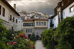 Kastoria old town, Macedonia Hellas Small Island, Macedonia, Ancient Greek, Old Town, Athens, Greece, To Go, Mansions, Country