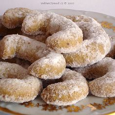 Traditional Czech Christmas Cookies  yummy!! Vanilkove Rohlicky - Vanilla Crescents