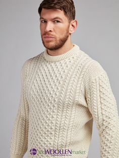 Traditional Aran Sweater is a key to simplicity. This honeycomb pattern combine with the ultimate classic style is a must have for the colder seasons. Overall Jumpsuit, Waffle Stitch, Men Sweater, Jumper, Shawl Cardigan, Men's Wardrobe, Cardigan Fashion, Neue Trends, Fit