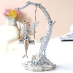 I'd love to be able to create something like this! Biscuit, Fairy Statues, Fairy Crafts, Felt Fairy, Popsicle Stick Crafts, Fairy Garden Houses, Flower Fairies, Fairy Dolls, Polymer Clay Crafts