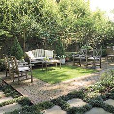 El uso del color es una de las claves de todo jardín y es fundamental para conseguir espacios armoniosos. En un jardín se puede aprovechar la gran gama de tonalidades verdes existentes en el reino vegetal. Es un acierto, ¡compruébalo!