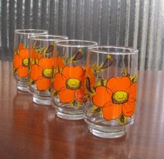 Vintage Retro Mod Orange Crazy Daisy by FrenchToastKitty Black Accents, Vintage Glassware, Makers Mark, Juice, Daisy, Brunch, Shapes, Entertaining, Orange