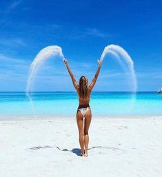 30 Fun Beach Vacation Photography Ideas You Need To Try - Feminine Buzz Beach Fun, Beach Trip, Summer Beach, Summer Vibes, Romantic Beach, Beach Travel, Ocean Beach, Surf Travel, Blue Beach
