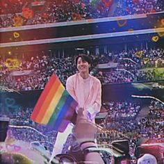 Kpop Couples, Cute Gay Couples, Lgbt Day, Bts Dance Practice, Lgbtq Flags, Kpop Gifs, Pansexual Pride, Rainbow Flag, Gay Pride