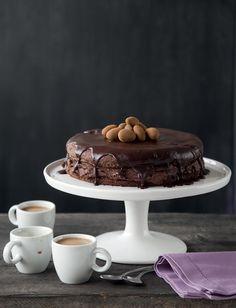 Tumma suklaamoussekakku | Reseptit