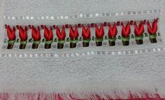 Bordado tulipa com fita de cetim