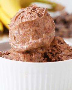"Dark Chocolate Chip Have A Treat With These Banana ""Ice Cream"" Recipes Köstliche Desserts, Frozen Desserts, Frozen Treats, Delicious Desserts, Chocolate Chip Ice Cream, Banana Ice Cream, Dark Chocolate Chips, Healthy Chocolate, Paleo Dessert"