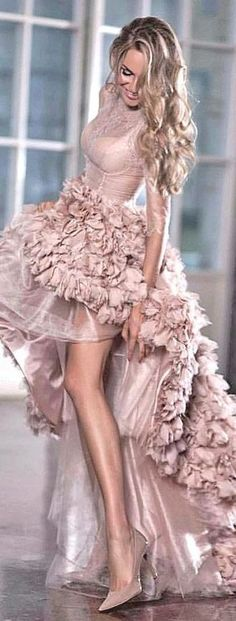 Glamouröse Outfits, Bridal Outfits, Bridal Dresses, Prom Dresses, Teen Dresses, Woman Outfits, Sleeve Dresses, Party Outfits, Midi Dresses
